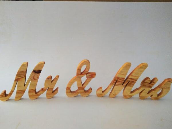 надпис за сватба mr&mrs