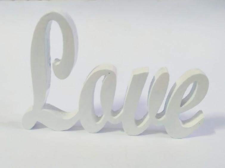 Love в бял цвят