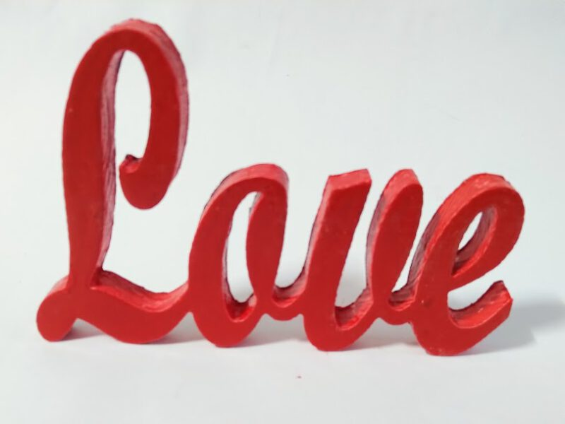 Love в червено